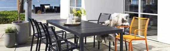 Det kolde forår giver billigere havemøbler til havefolket