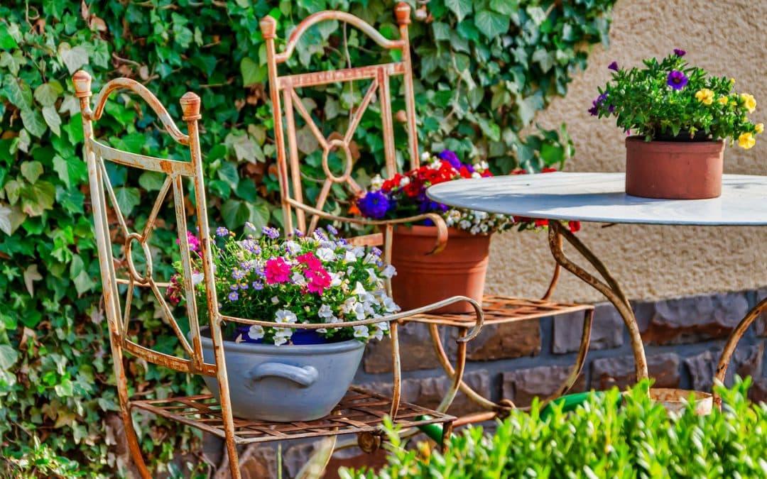 Når det gammeldags bliver moderne; countryhaver og retrostil